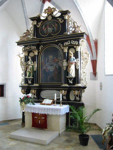 Holzkirch - Altar 2.JPG