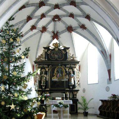 Holzkirch - Altar_Ausschnitt 1.jpg